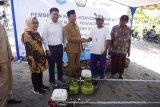 Nelayan Mataram bergembira dapat bantuan konverter kit