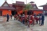 VIDEO - Seru, Ketika puluhan anak TK sambangi markas Basarnas Pekanbaru