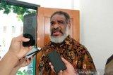 Ondoafi Port Numbay imbau warga waspadai berita hoaks jelang 1 Desember