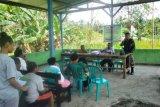 Satgas Yonif 713/ST gelar pendidikan keaksaraan di perbatasan RI-PNG