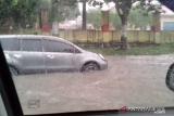 VIDEO - Hujan sekejap sebagian Pekanbaru terendam air