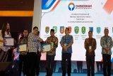 Pemkab Kobar raih penghargaan pelayan publik dari Ombudsman