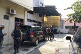 KPK geledah bangunan milik pengusaha kondang Pekanbaru