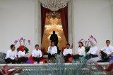 Stafsus milenial Presiden Jokowi ingin kerja maksimal tak cuma viral