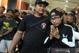 SUPORTER INDONESIA DITAHAN POLISI  MALAYSIA TIBA DI BALI