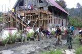 TNI di perbatasan membantu pembangunan gedung gereja
