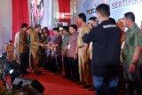 Gubernur Sulsel - Kementerian Agraria bagikan 3.000 sertifikat tanah rakyat
