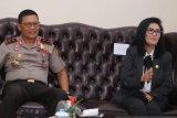Kapolda Sumsel ajak DPRD hilangkan kebiasaan membawa  senjata tajam