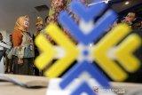 Deputi bidang pelayanan publik Kementerian Aparatur Negara dan Reformasi Birokrasi (Kemenper RB) Diah Natalisa meninjau Mall Pelayanan Publik (MPP) di Banda Aceh, Aceh, Selasa (3/12/2019). MPP Kota Banda Aceh yang berada di lantai 3 gedung pasar Atjeh merupakan upaya pemerintah untuk meningkatkan kualitas dalam penyelenggaraan pelayanan publik yang nyaman, aman, cepat, mudah dan terintegrasi. Antara Aceh/Irwansyah Putra.