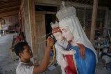 Kerajinan patung Bunda Maria