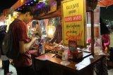 Usung konsep 90-an, event kuliner Lalang Waya ramai dikunjungi
