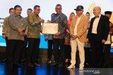 Riza Falepi terima penghargaan Wali Kota Entreprenur 2019 Asean