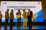 Gubernur Sulsel raih penghargaan Leader Regional Enterpreneur Award