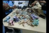 Pria gangguan jiwa ini miliki uang jutaan rupiah dalam pecahan Rp20.000-Rp100.000