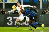Inter masih bercokol di puncak klasemen walau ditahan imbang AS Roma