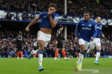 Liga Inggris -- Everton tinggalkan zona degradasi usai jungkalkan Chelsea