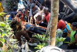Bus rombongan guru TK terguling di Blitar akibatkan  lima meninggal