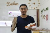 Tren kekinian, pelaku UMKM kembangkan sepatu handmade dengan harga terjangkau