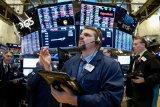 Wall Street naik tajam pada Sabtu pagi