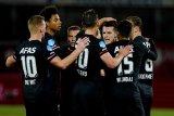 AZ pangkas jarak keunggulan Ajax di klasemen Liga Belanda