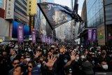 Berpakaian hitam-hitam, unjuk rasa terbesar berlangsung di Hong Kong