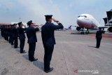 Pengamat berharap operasional Maskapai Garuda normal usai pemberhentian direksi