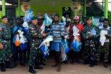 TNI berikan bantuan jala ikan untuk warga Erambu Merauke