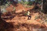 Longsor tutupi irigasi Desa Air Baus Bengkulu Utara