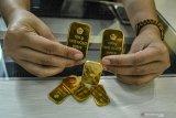 Harga emas Antam anjlok Rp5.000 menjadi Rp777 ribu