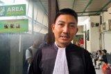 Terdakwa kasus 'bau ikan asin' didakwa oleh JPU tiga pasal alternatif UU ITE