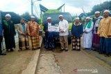 Bank Sumut serahkan truk sampah pada Pesantren Musthofawiyah
