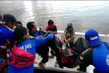 Wanita paruh baya diduga tenggelam di DAS Kapuas, akhirnya ditemukan