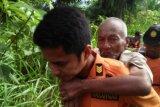 Warga Muaro Kiawai Pasaman Barat yang hilang ditemukan di semak-semak dalam kondisi lemah