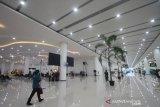 Suasana ruang tunggu di terminal baru Bandara Syamsudin Noor di Banjarbaru, Kalimantan Selatan, Selasa (10/12/2019). PT. Angkasa Pura I (Persero) resmi mengoperasikan terminal baru Bandara Syamsudin Noor tepat pukul 05.00 WITA pada Selasa (10/12/2019). Foto Antaranews Kalsel/Bayu Pratama S.