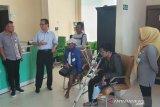 BPJAMSOSTEK Kendari latih korban kecelakaan kerja penggunaan kaki palsu