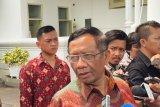 Presiden Jokowi minta Mahfud ikut kawal berantas korupsi besar belum terjamah