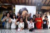 Gibran bersama 1.000-an relawan yang naik 20 bus daftar DPP PDIP