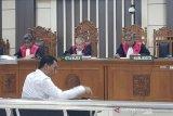 Bupati ini didakwa terima suap Rp750 juta terkait pengisian jabatan