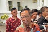 Presiden Joko Widodo minta Mahfud ikut kawal berantas korupsi besar belum terjamah