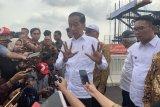Presiden Jokowi tegaskan kereta cepat dan LRT rampung 2021