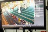Maling beraksi di masjid saat jamaah shalat