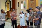 Bupati Banyuwangi kunjungi sejumlah gereja guna memastikan persiapan Natal