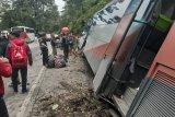 Bus kecelakaan di Sitinjau Lauik angkut puluhan pelajar SMA 6 Padang