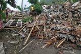 Korban banjir Kulawi masih bertahan di pengungsian