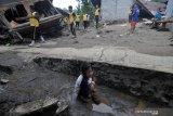 Bupati minta penyaluran bantuan korban banjir Kulawi lewat posko induk