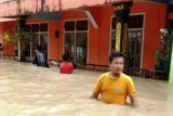 Ratusan siswa tidak bisa laksanakan ujian akibat banjir di Sungai Pagu