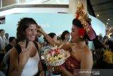 Bandara Ngurah Rai menyuguhkan seni tradisional Bali untuk wisatawan