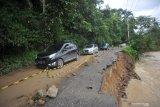 Kemensos salurkan bantuan banjir bandang Solok Selatan