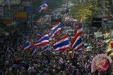 Ribuan warga Thailand berunjuk rasa di Bangkok