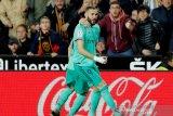 Benzema selamatkan Real Madrid dari kekalahan saat bertandang ke markas Valencia